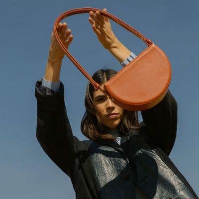 ディオール(Dior)は、ジョーダン(Jordan)とのパートナーシップに関するより詳細な資料を発表したばかりである